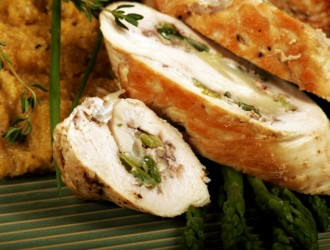 Chicken_Roulade_Stuffed_with_Goat_Cheese